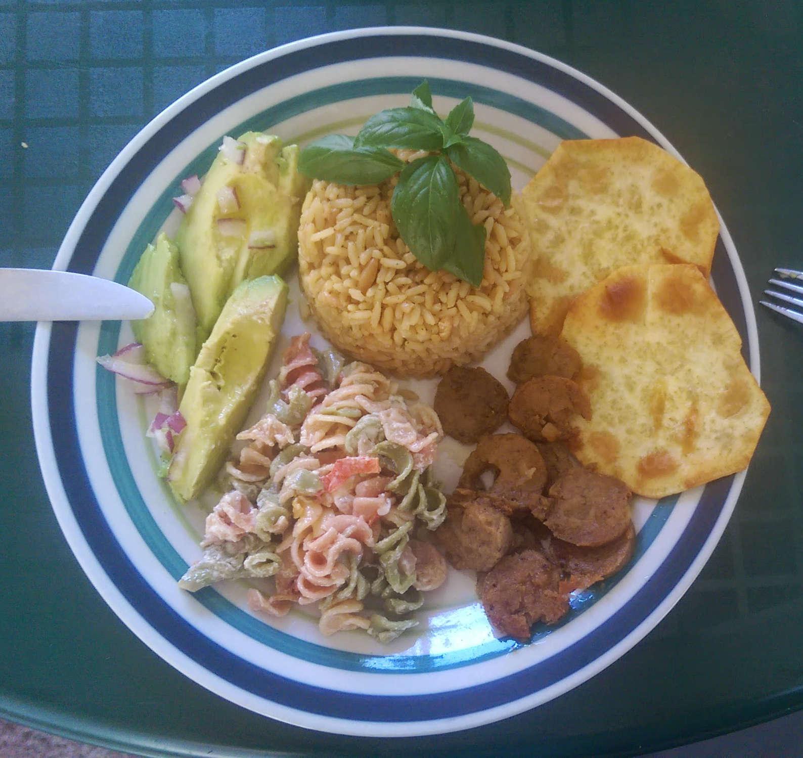 arroz-con-salchichas-de-vegetales